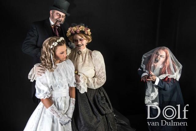 * HAPPY FAMILY *  Geweldige fotoshoot mmv Wikkele v Toorn, Eva Brunklaus, Teus v Toorn en Sam vd Zande