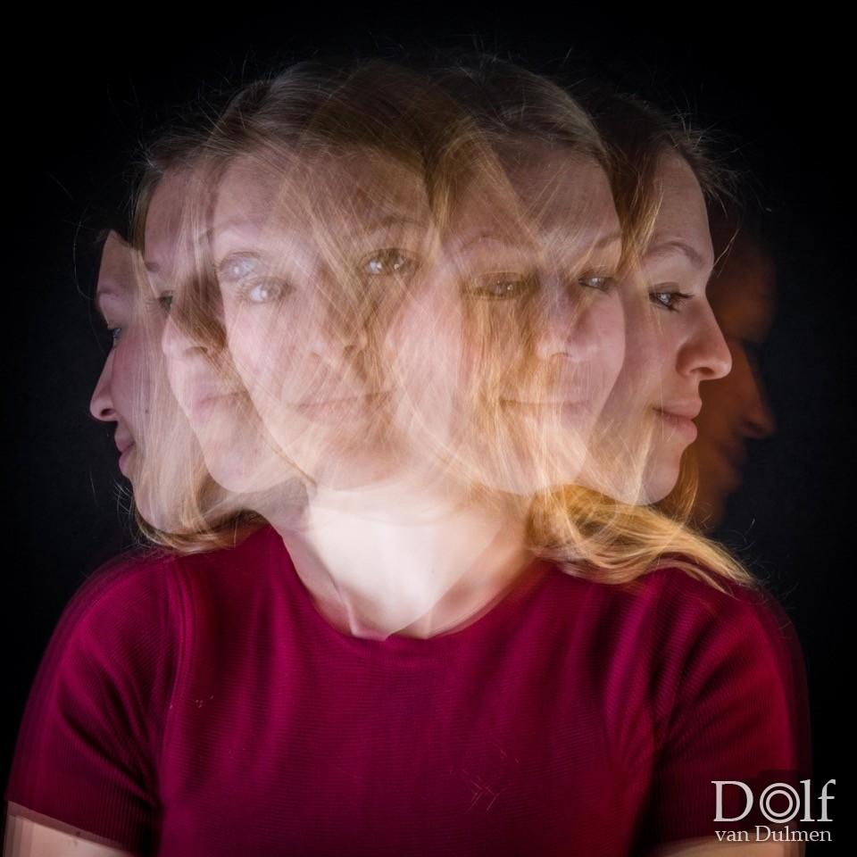 * PICKTURE IN MOTION *    Studie naar het vastleggen van beweging binnen 1 foto opname, de foto's zijn niet bewerkt! Met speciale dank aan Bodil Verbeek!