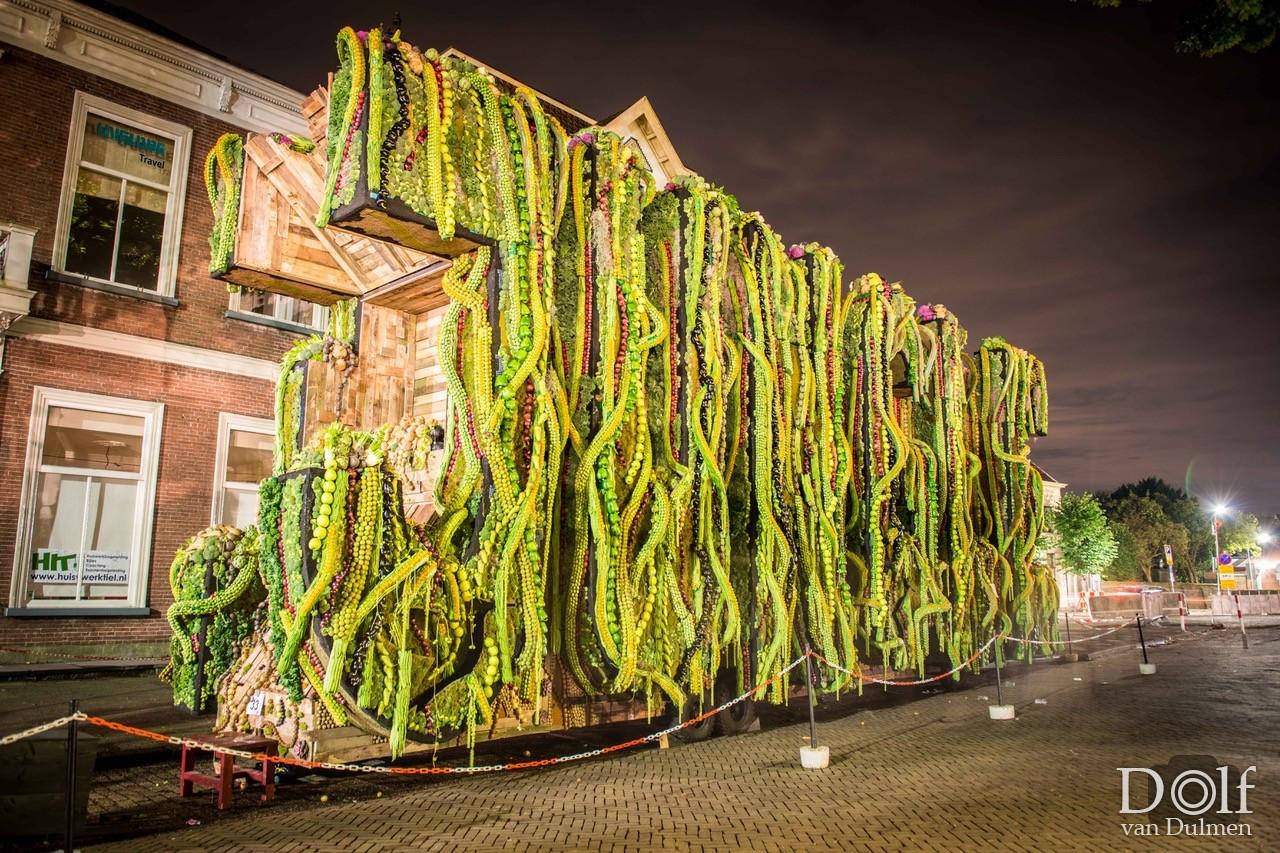 """* FRUITCORSO TIEL 2017 * Uiteraard ook weer de prachtige kunstwerken van """"ons fruitcorso"""" vastgelegd!"""