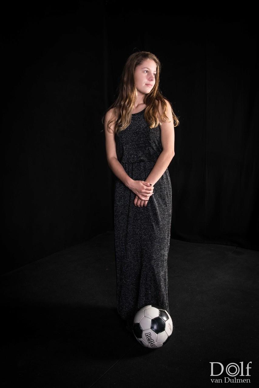 * CAYA *  Een superleuke jongedame, gek van voetbal. En nog erg goed ook!!